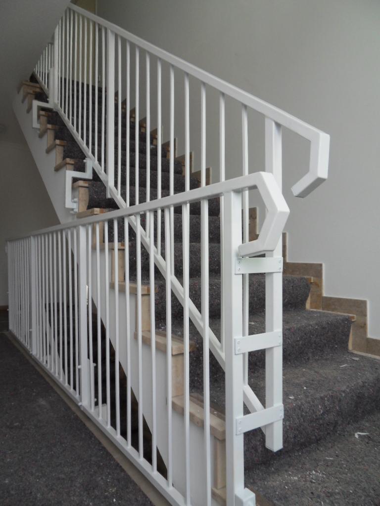 /Ø 4,2 x190 cm lang Treppengel/änder f/ür Innen und Au/ßen aus V2A Edelstahl zur einfachen Befestigung an der Wand Melko gerader Handlauf